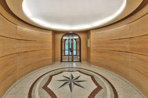 hall entree bois et mosaique residence prestige