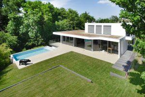 maison architecte moderne contemporaine haut de gamme avec piscine