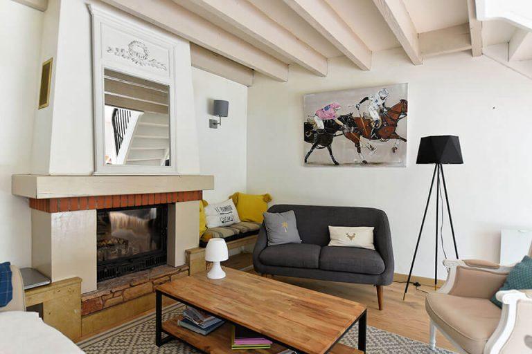 petit salon avec cheminee maison contemporaine